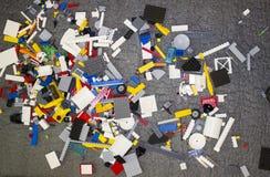Détails dispersés multicolores de jouet Photos stock