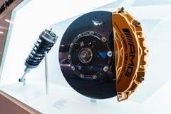 Détails du circuit de suspension et de freinage des véhicules performants de Mercedes-AMG Photographie stock libre de droits