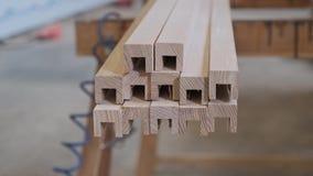 Détails en bois de meubles, woodshop de travail du bois de menuiserie de fond banque de vidéos