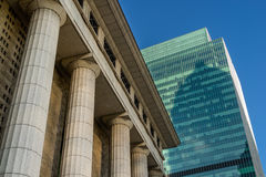 Détails gris de colonne de marbre sur le bâtiment Photos libres de droits