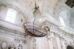 Détails intérieurs de St Peter et de St Paul Church à Vilnius Image stock