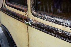 Détails rouillés d'une voiture Images stock