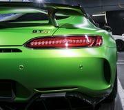 Détails 2018 V8 Bi-turbo, phare extérieurs GTR verts de Mercedes-Benz AMG Vue arrière Détails d'extérieur de voiture Photos libres de droits