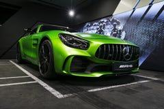 Détails 2018 V8 Biturbo, vue de côté extérieurs GTR verts de Mercedes-Benz AMG Détails d'extérieur de voiture Image libre de droits
