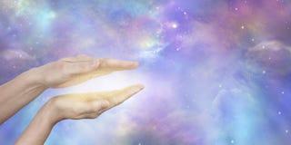 Détection de l'énergie curative cosmique à haute fréquence images libres de droits