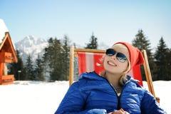 Détendez en montagnes d'hiver Images libres de droits