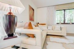 Détendez l'espace dans la résidence sensationnelle photographie stock