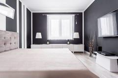 Détendez la zone dans la chambre à coucher moderne photos libres de droits