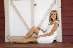 Détente blonde photographie stock libre de droits