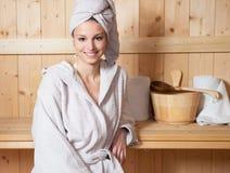 Détente dans le sauna Image libre de droits