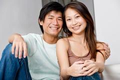Détente de couples photos stock