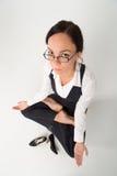 Détente de dame d'affaires de brune Photo stock