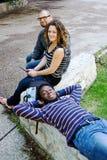 Détente de trois étudiants Photo libre de droits