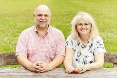 Détente pluse âgé de couples Photos stock