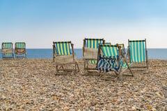 Détente sur un Pebble Beach Image stock