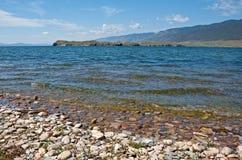 Détroit dans la vue du lac Baïkal Photo libre de droits