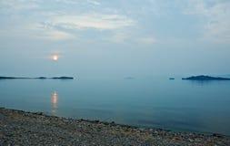 Détroit dans la vue du lac Baïkal Photos libres de droits