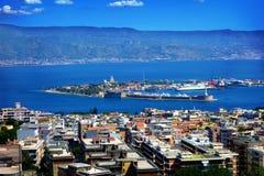 Détroit entre la Sicile et l'Italie, vue de Messine, Sicile Photo libre de droits