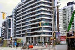 Développement de nouveaux condominiums dans le village de False Creek à Vancouver Image libre de droits