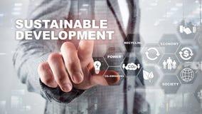 Développement durable, écologie et concept de protection de l'environnement Énergie renouvelable et ressources naturelles double photographie stock libre de droits