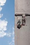 Déverrouillez la trappe au monde neuf Photographie stock libre de droits