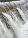 Déversoir en inondation Photo stock