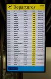 déviations de panneau d'aéroport internationales Photo stock