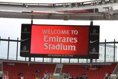 Dê boas-vindas aos emirados ao estádio Imagem de Stock