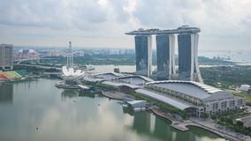 Día al vídeo de Timelapse de la noche del horizonte de la ciudad de Singapur, lapso de tiempo metrajes