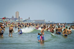 Día Avon de la playa por el mar Imagen de archivo libre de regalías