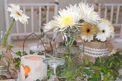 Día de boda de la decoración de la mesa de comedor Imagen de archivo libre de regalías