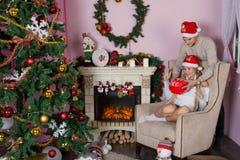 Día de fiesta alegre de la Navidad Feliz Año Nuevo Enhorabuena y regalos La Navidad, Fotografía de archivo