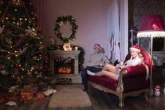 Día de fiesta alegre de la Navidad Feliz Año Nuevo Enhorabuena y regalos La Navidad, Imágenes de archivo libres de regalías