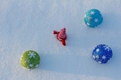 Día de fiesta alegre de la Navidad Feliz Año Nuevo Enhorabuena y regalos La Navidad, invierno, nieve Imagen de archivo