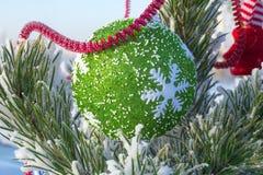 Día de fiesta alegre de la Navidad Feliz Año Nuevo Enhorabuena y regalos La Navidad, invierno, nieve Fotos de archivo libres de regalías