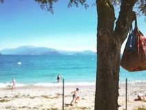 D?a de fiesta en Italia en el lago Garda en verano fotografía de archivo