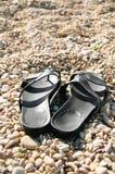 Día de fiesta en la playa - flip-flop en la playa Fotos de archivo