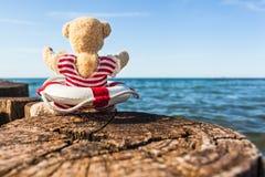 Día de fiesta feliz en el mar fotos de archivo libres de regalías