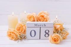 Día de fiesta fondo del 8 de marzo con las flores Imagen de archivo libre de regalías