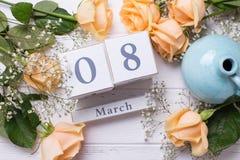 Día de fiesta fondo del 8 de marzo con las flores Foto de archivo libre de regalías