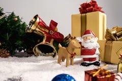 Día de fiesta de la decoración de la Navidad o Año Nuevo con Santa Claus y sn Fotografía de archivo