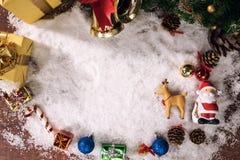 Día de fiesta de la decoración de la Navidad o Año Nuevo con Santa Claus y sn Fotos de archivo