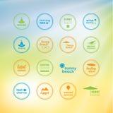 ¡Día de fiesta soleado! 16 marcas creativas - iconos con las vacaciones de verano Imagen de archivo libre de regalías
