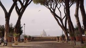 Día de invierno cerca del jardín anaranjado, degli Aranci de Roma, Italia Giardino metrajes