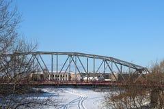 Día de invierno en la pequeña ciudad Imagen de archivo