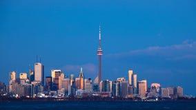 día de 4K UltraHD al timelapse de la noche en Toronto almacen de metraje de vídeo