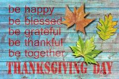 Día de la acción de gracias en fondo de madera azul Imagen de archivo libre de regalías