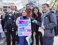 Día 2 de la huelga de 48 horas de Junior Doctors Fotos de archivo