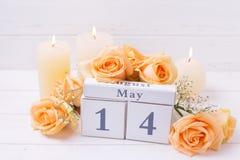 Día de la madre fondo feliz del 14 de mayo con las flores Foto de archivo libre de regalías