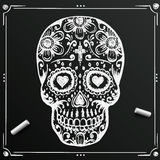 Día de la pizarra del bosquejo muerto del cráneo Flor del azúcar del drenaje tatuaje Ilustración del vector Fotos de archivo libres de regalías